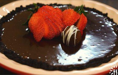 No Bake, 4 Ingredient Chocolate Pie