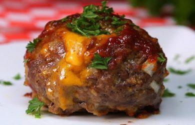 Mac and Cheese Stuffed Meatballs